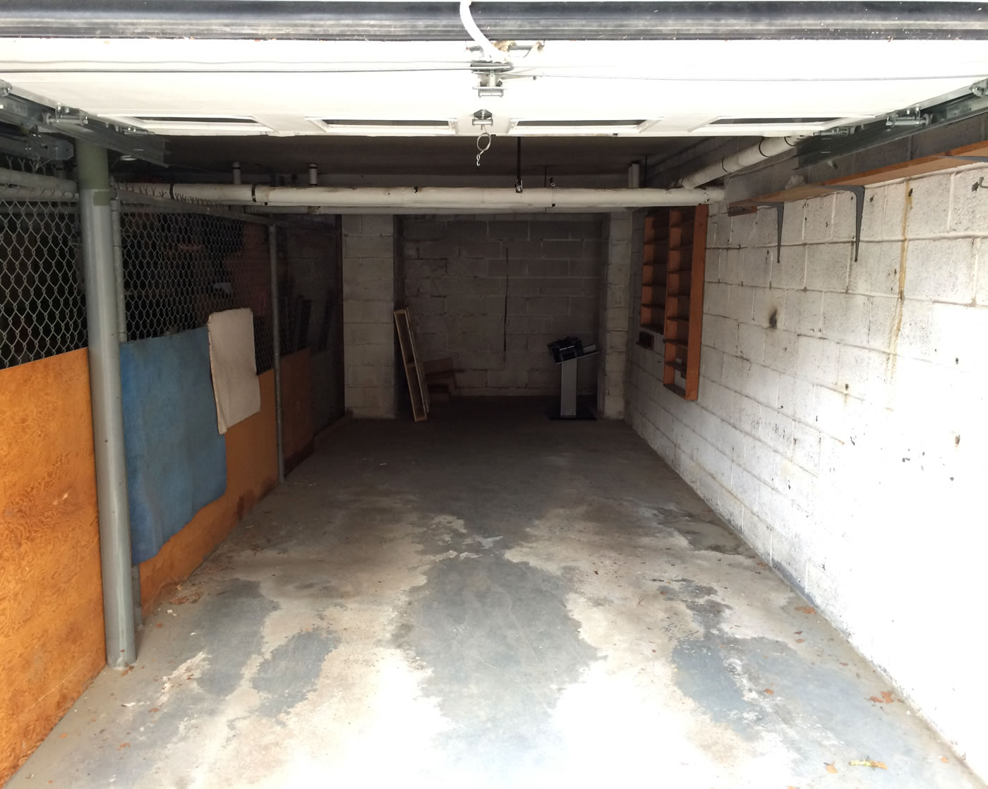 Building a home gym - empty garage.